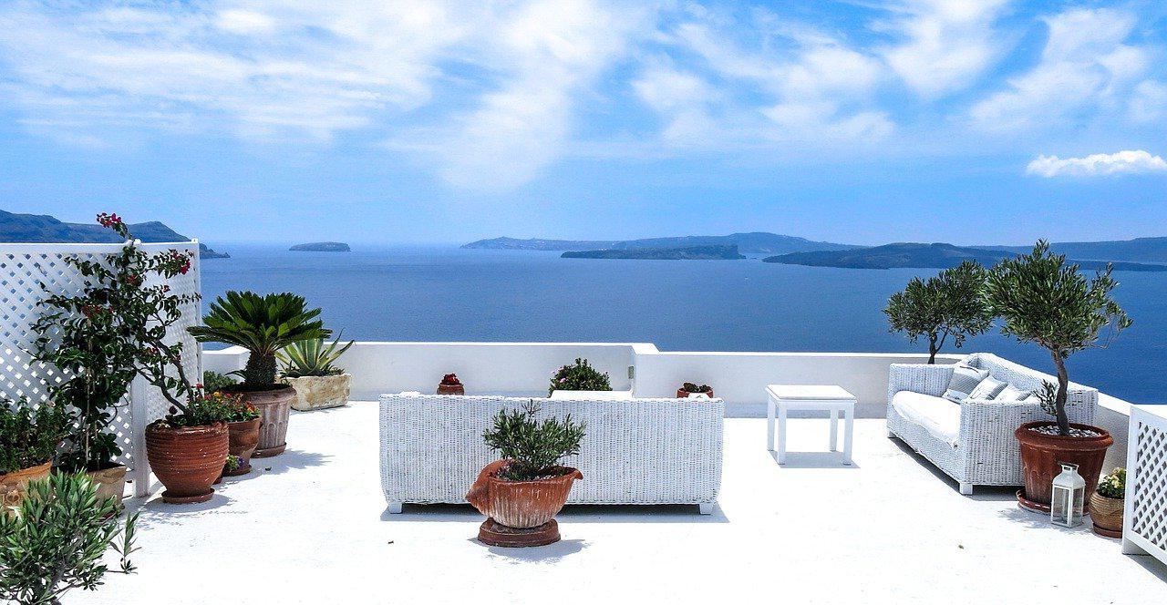 Comment agrandir sa terrasse en béton ?